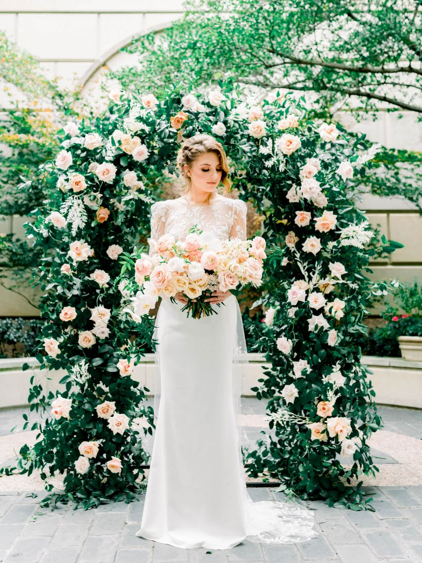 This Dreamy Gardenesque Wedding Will Make You Forget You're Downtown
