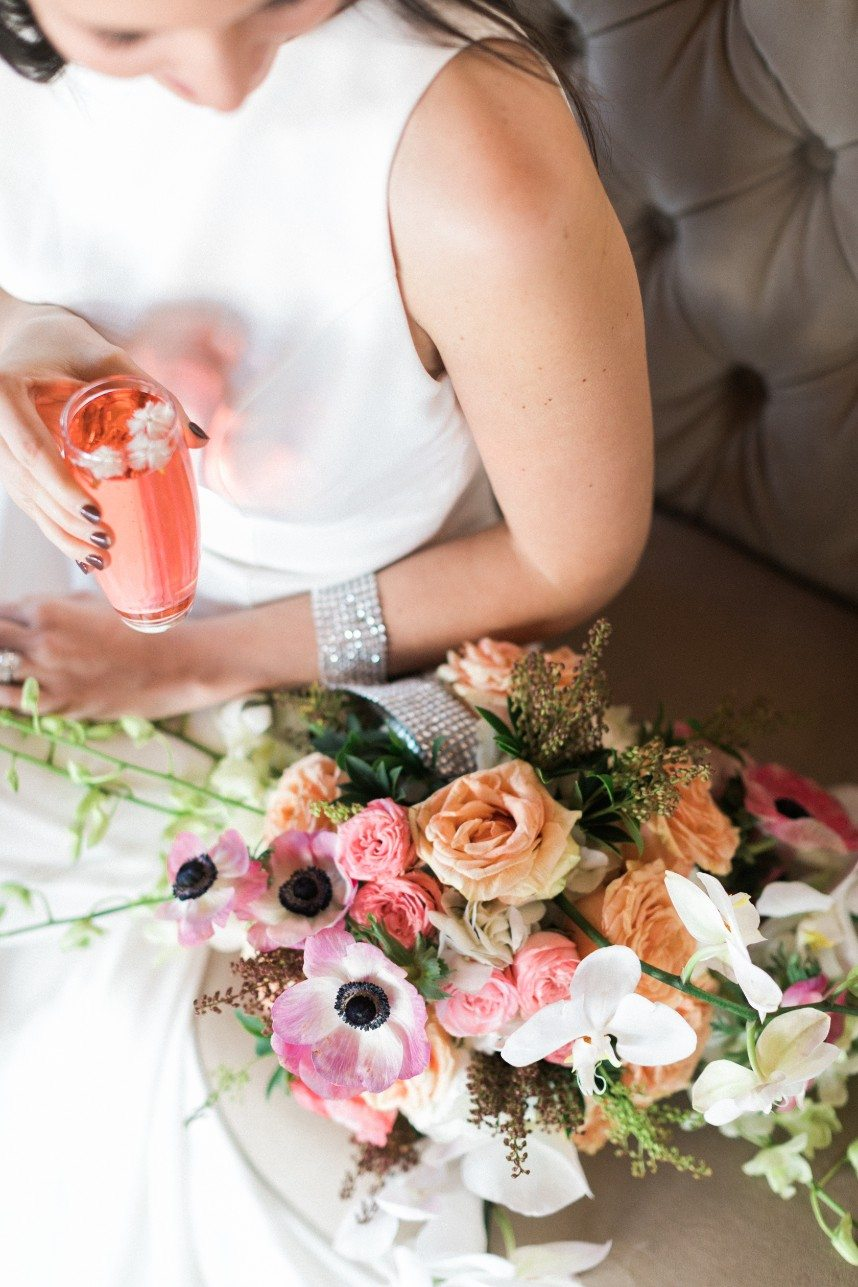 Fizz and Floral: A Creative Pairing of Specialty Beverages & Pretty Blooms