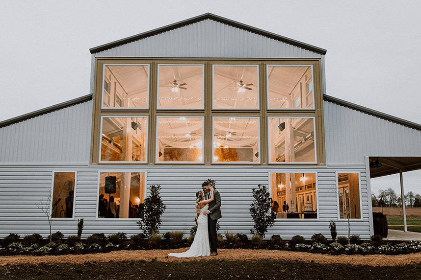 10 Rustic North Texas Wedding Venues Full of Southern Charm