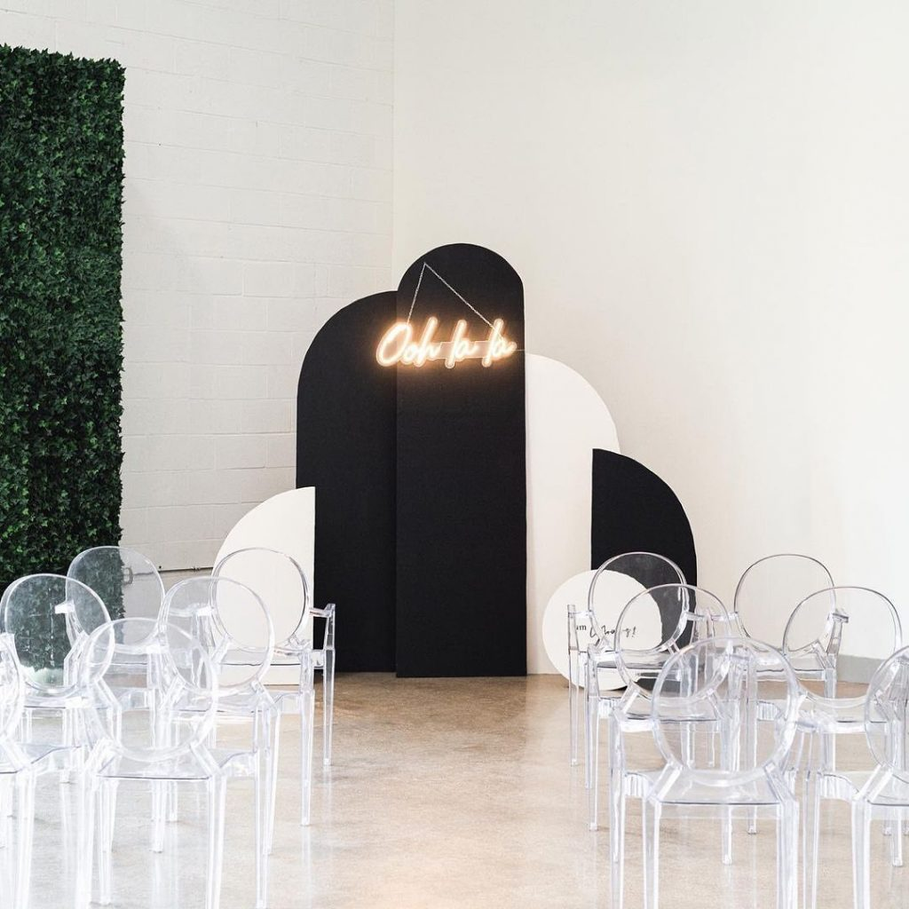 Geometric backdrops have taken 2021 weddings by storm! You won't find us complaining.. this trend is one to watch! We