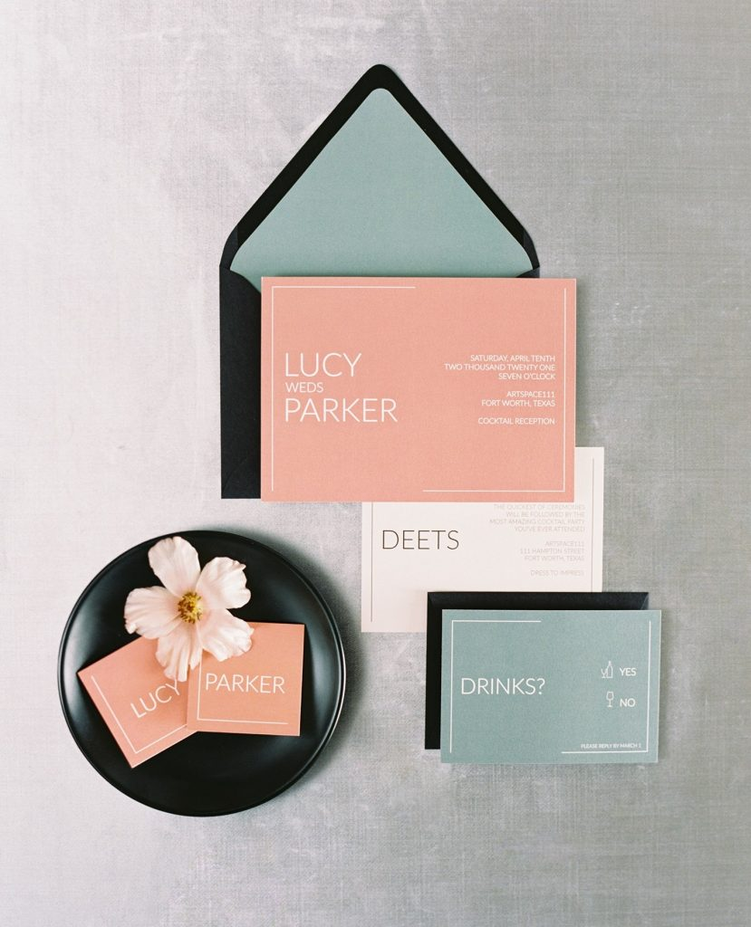 You know you'll be walking into a modern wedding design when invites like these by lyonspaperie arrive in your mailbox.