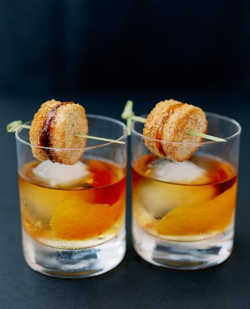 We already know PB&J is a must-have combo, but as a cocktail...? The answer is YES! modernpour's peanut butter &