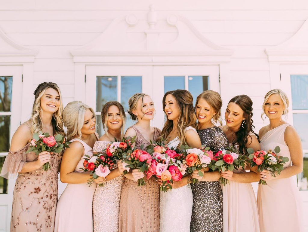 Seriously crushing on this collection of bridesmaids dresses in a variety of texture, color and sparkle! ✨ Get the mix-n-match