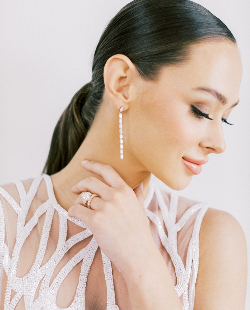 These diamond earrings were MADE for a bride! Plus, they are made sustainably! Read on for how thetruegemcompany is designing