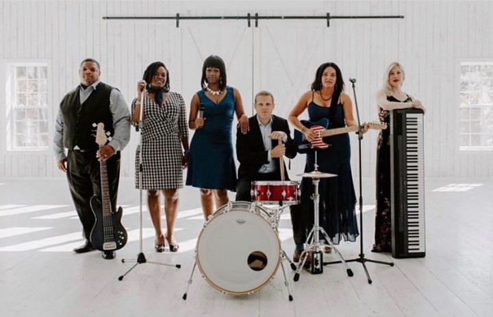 """Reason No. 17 Why You Need a Live Band: """"There are rarely overlooked moments at a wedding, but there's always"""