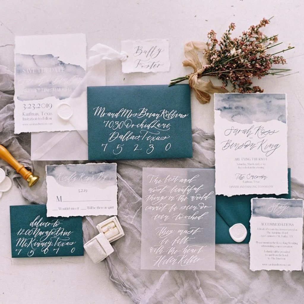 Give us all the beachy wedding vibes!!! ? We're obsessing over the watercolor prints in deep blue hues in this