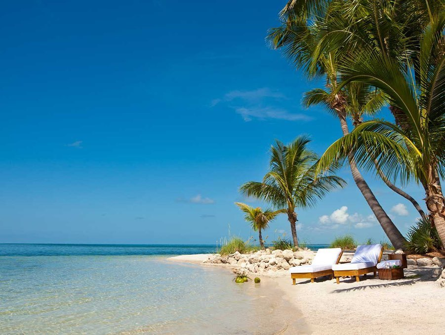 Located in the USA, this private island resort checks all the boxes of a dream honeymoon! Honeymooners will enjoy white