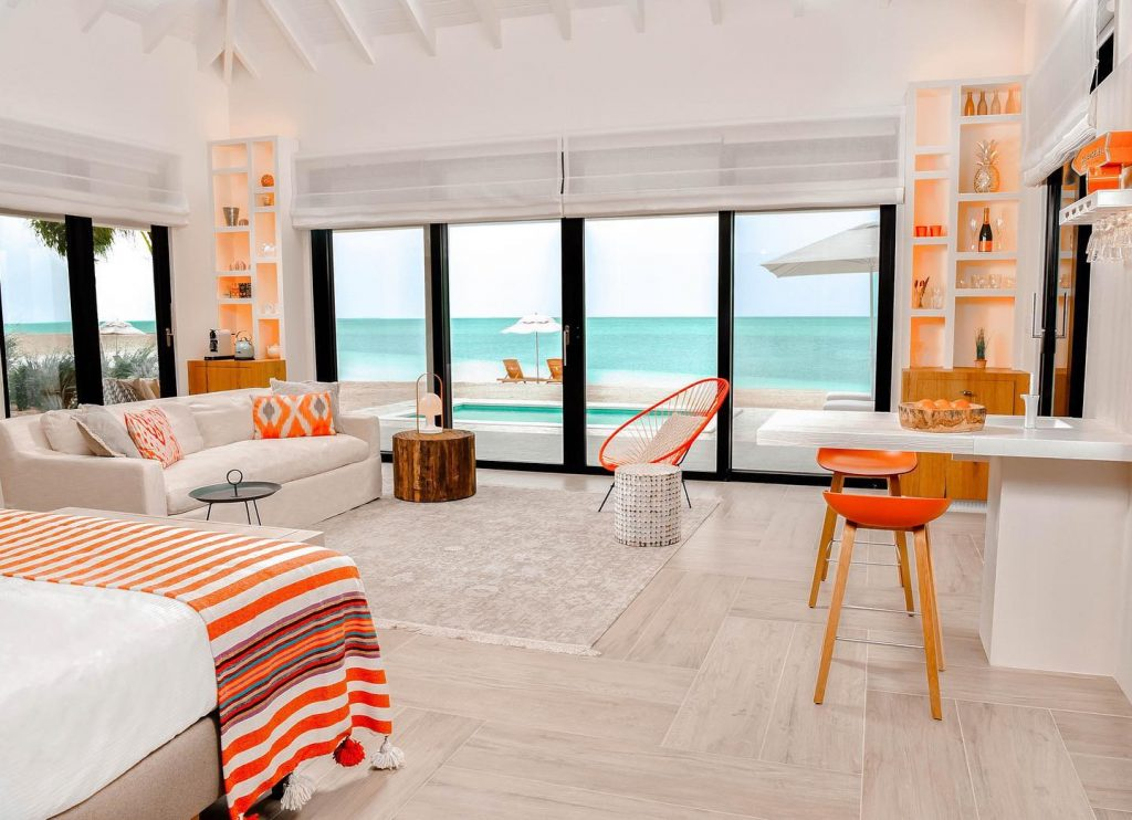 This all inclusive private island resort at Turks & Caicos includes the best amenities: private plane transfers to and from