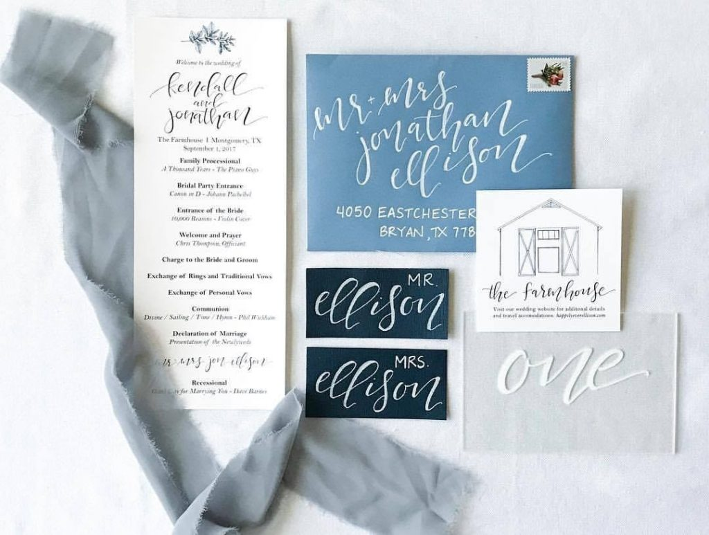 Shades of blue are such a vibe right now - in home decor, fashion AND wedding color schemes! ellis.paige.calligraphy's custom