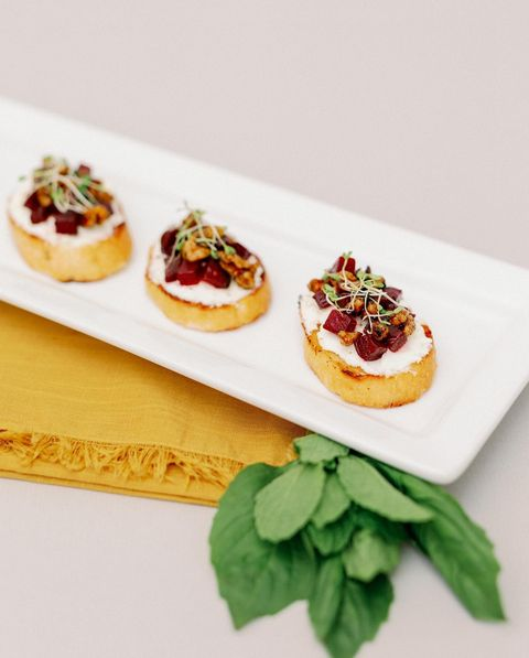 We're dying to reach through our screens and try this beet & goat cheese bruschetta prepared by culinaryart1! Look no