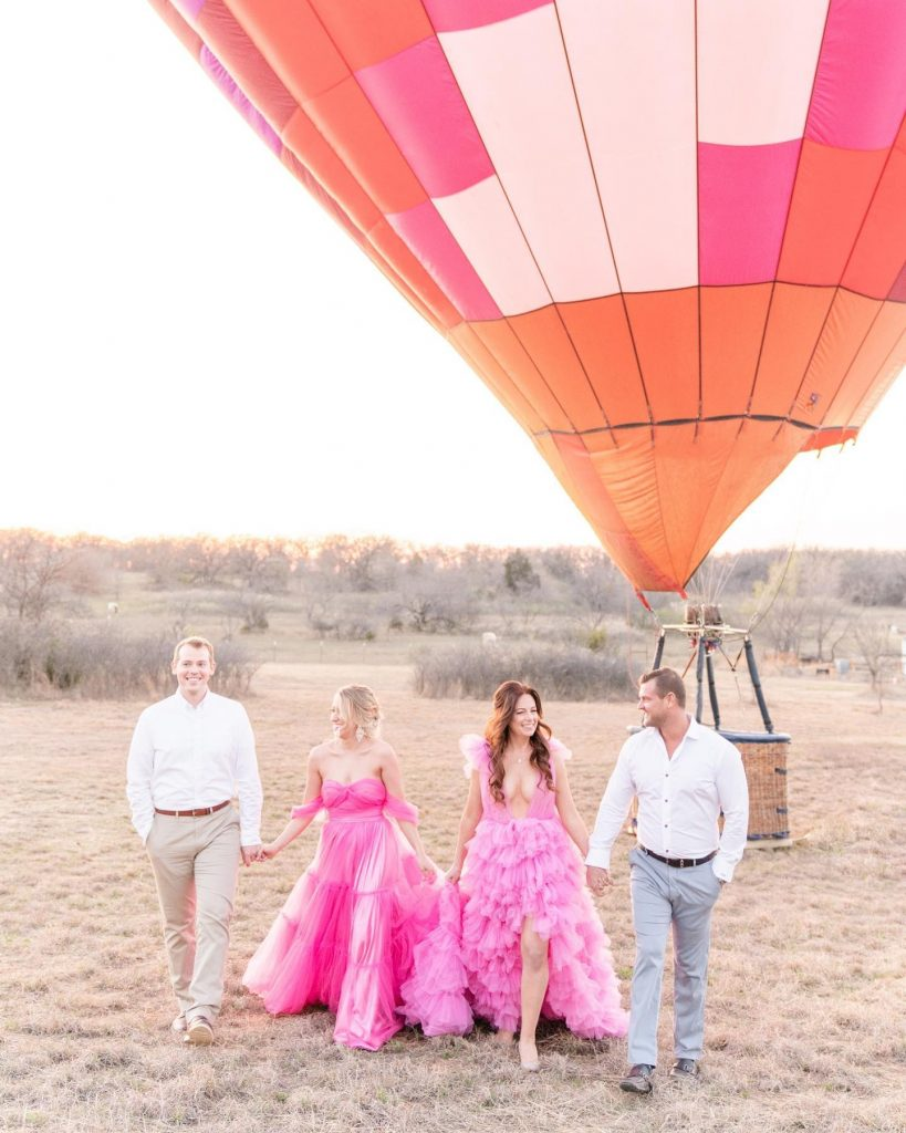 Styled prettier than our wildest dreams, this pink toned elopement inspiration is absolutely perfect for summer + who knew how