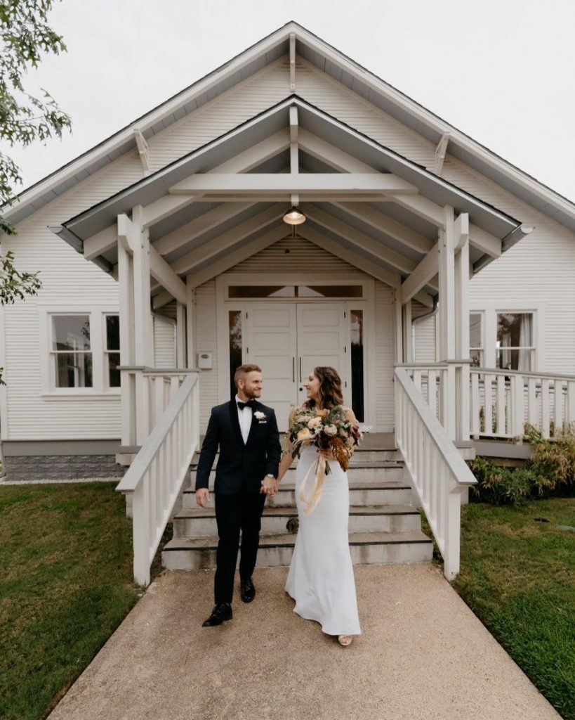 """""""We were so excited for laningphotography to capture our wedding. Leading up to the wedding they recommended vendors and told"""