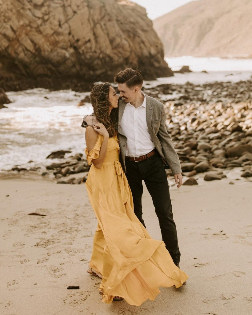 Prep engagement photo looks that make you and your spouse-to-be feel seriously special. A planner by your side can help