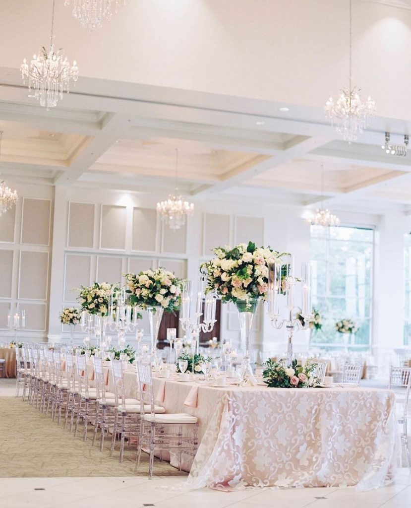 Our jaws hit the floor when we saw we saw this stunning ballroom in our feed! thebowdenevents sure knows how